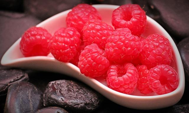 Топ 20 низкокалорийных продуктов: малина