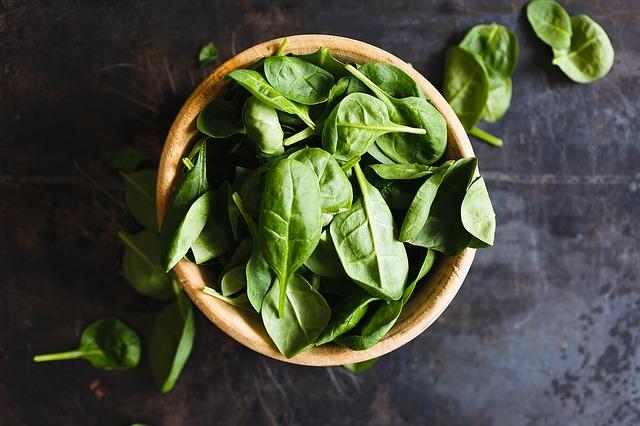 Топ 20 низкокалорийных продуктов: шпинат